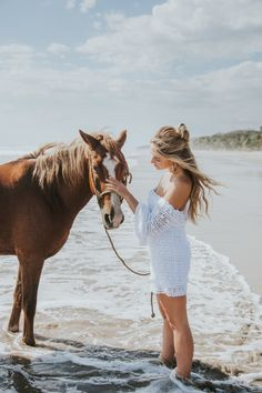 Photography Series, Horse Photography, Beach Photography, Pony Horse, Horse Girl, Beautiful Horses, Animals Beautiful, Horse Names, Goldendoodle