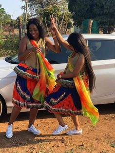 South African traditional garments Pedi Traditional Attire, Traditional Wedding Attire, Traditional Outfits, Traditional Styles, African Traditional Wear, African Traditional Wedding Dress, Traditional Fashion, African Women, African Fashion