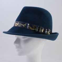 My feminine version of the famous Fedors hat. This hat is included in my mini collection Birds. For this collection I want to make two more hats, one orange and one of the same color as the one in the photo. Fabric Stiffener, Fedora Hat, Grosgrain Ribbon, Wool Felt, Feminine, Turquoise, Hats, Collection, Women's