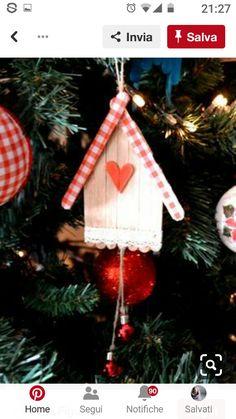 Die Ideenbox des I & # Workshop : DIY Weihnachtsaktivitäten & Dekoration Rustic Christmas Ornaments, Handmade Christmas Decorations, Christmas Crafts For Kids, Craft Stick Crafts, Homemade Christmas, Christmas Projects, Simple Christmas, Holiday Crafts, Barn