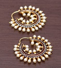 30 Amazing Designs of Chandbali Earrings for women India Jewelry, Pearl Jewelry, Wedding Jewelry, Antique Jewelry, Gold Jewelry, Indian Accessories, Jewelry Accessories, Jewelry Design, Indian Earrings