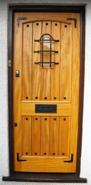 1000 images about doors on pinterest exterior doors for Cottage style front doors