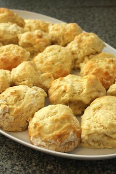 Cheat Scones - Only three ingredients! - Cooking Crusade Easy Almond Cake Recipe, Scones Ingredients, Brunch, Bread Machine Recipes, Bread Recipes, Scone Recipes, Flour Recipes, Food Gifts, No Bake Cake