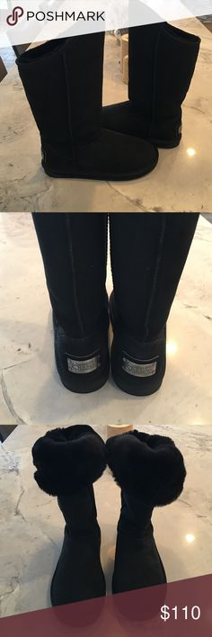 """Australia Luxe Boots Brand new, in original box. Australia Luxe Collective Cosy Tall sheepskin boots. 100% genuine sheepskin exterior and shearling lining. So comfortable they feel like slippers. Black, size 10. Approximately 12"""" shaft height, 14"""" opening. Grip soles. Australia Luxe Collective Shoes Winter & Rain Boots"""