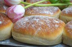 Låt jäsa övertäckt ca 30 minuter. Bread Bun, Bread Cake, Breakfast Basket, My Daily Bread, Homemade Dinner Rolls, Scandinavian Food, Good Food, Yummy Food, Danish Food