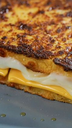 Why not swap your regular toast for a cauliflower bread? Save our Cauliflower Grilled Cheese recipe on the Tastemade app! ( 📲 Link in bio) Healthy Breakfast Recipes, Vegetarian Recipes, Cooking Recipes, Healthy Recipes, Cooking Food, Burger Recipes, Eat Healthy, Tasty Videos, Healthy Cooking Recipes
