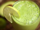 Detoxinista...Healthy living is easier than you think.  Great blog!
