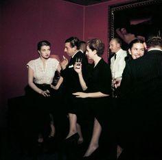 Robert Capa - Soirée à Rome, en1951. Exposition «Capa in Color». ww...