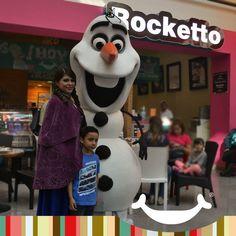 Los personajes de FROZEN visitan Rocketto El Paseo!!!