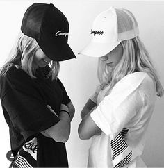 Lisa and Lena Tumblr Bff, Ft Tumblr, Friend Tumblr, Tumblr Girls, Bff Pictures, Best Friend Pictures, Friend Photos, Music Pictures, Curvy Street Style