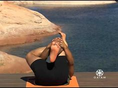 Yoga : AM Yoga with Rodney Yee: Forward Bends