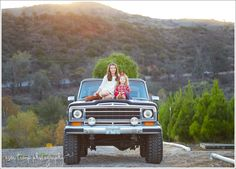 Peltzer Pines Christmas Tree Farm Family Holiday Family Photos. Jeep Grand Wagoneer Sunset, Sisters, Irvine, Orange County, Silverado Canyon Asea Tremp Photography