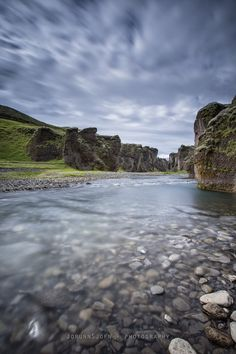 If you have never been to this canyon before I sure recommend a little trip up there.  The canyon is up to 100 m deep and 2 km long and its located in south east Iceland not so far away from the village Kirkjubæjarklaustur.  The river Fjaðrá runs through it.  Fjaðrárgljúfur canyon was created by prog