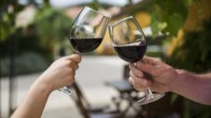 O melhor vinho do mundo é português. O Dow's Porto Vintage 2011 recebeu o prémio de melhor vinho do mundo em 2014 pela revista Wine Spectator, num ano em que o Douro foi rei e senhor. O 3º e 4º classificados também são portugueses.