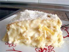 Bolo cremoso de abacaxi com coco, uma delícia de sabor! Muito fácil de fazer! E ainda: Aprenda a fazer Recheio de Mousse de Leite Ninho INGREDIENTES: 3 ovo