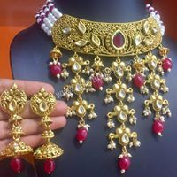Buy online punjabi traditional women wedding jewelry from Vijay&Sons in overall India. Choker Necklace Online, Kundan Set, Plus Size Wedding Guest Dresses, Cheap Wedding Venues, Pearl White, Wedding Jewelry, Wedding Bands, Chokers, Pearls