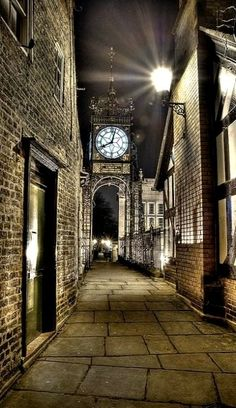 Eastgate Clock at night, Chester, England | Flickr - Photo by Mark Carline