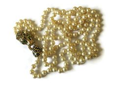 Rare Vintage Ciner Jeweled Leopard Clasp Pearl Necklace