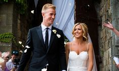 Kimberly Crew arrives to wed England goalkeeper Joe Hart