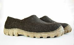 Mens shoes Wool boots for men Handmade Men's by WoolenClogs