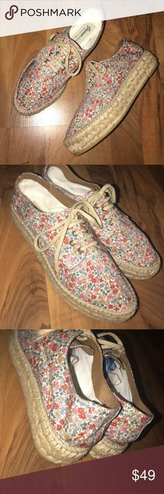 🆕Floral Gaimo lace up espadrilles Super cute floral print lace up espadrilles by Gaimo. Size 39. Never actually worn. NOT FREE PEOPLE, ONLY USING FOR EXPOSURE. Free People Shoes Espadrilles