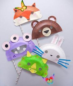 20 Easy and Adorable Paper Plate Crafts  <br> There are so many crafts that you can make with your kids using the paper plates you already have in your cabinet. Try these 20 paper plate craft ideas! Paper Plate Crafts For Kids, Animal Crafts For Kids, Winter Crafts For Kids, Diy For Kids, Kids Crafts, Animal Masks For Kids, Preschool Crafts, Paper Plate Masks, Paper Plate Animals