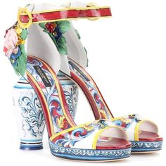 Dolce & Gabbana Printed Patent Leather Sandals ($3,645) ❤ liked on Polyvore featuring shoes, sandals, multicoloured, colorful sandals, patent leather shoes, patent shoes, multi color shoes and multi colored shoes