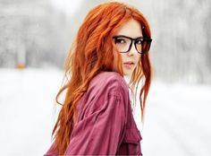gorgeous color. #redhead #hair #glasses found in wall321.com