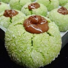 Veeere before you was the emerald cookie?color was scrumptious I melted the chocolate with pistachio and dimiiiiii with pistachio yakii .Zümrüt cookies to separate the flow of one of the crotch butter? Turkey Cake, Different Vegetables, Sweet Cookies, Pudding Desserts, Turkish Recipes, Frozen Yogurt, Vegetable Dishes, Macaroons, Chocolate Recipes