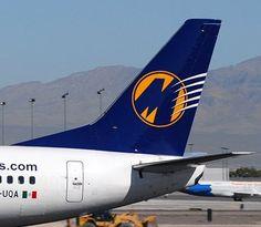 Magnicharters B-737 tail
