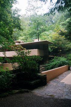 Photo  #architecture #design #franklloydwright Pinned by www.modlar.com
