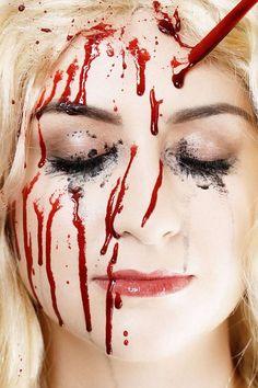 faux sang fait maison- idées de maquillage Halloween affreux
