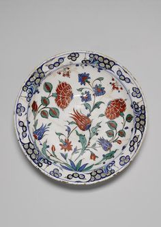 An Iznik pottery dish, Turkey, c 1575.