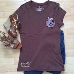 "Ed Hardy Embroidered Pink Koi Series Brown T-shirt This rich brown embroidered Koi series t-shirt is a great edition to any girl's collection. Wear with skinny jeans and some sexy wedges and let your inner fashionista shine. Measures 17"" underarm to underarm and 25"" in length. Wear with skinny jeans and wedges or stilettos. H & M SUPER SKINNY JEANS SOLD SEPARATE. Bundle and save. ❌PAYPAL ❌TRADE Ed Hardy Tops Tees - Short Sleeve"