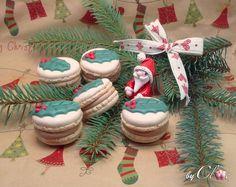 Macarons caramel beurre salé, décor feuille de houx Macarons, Decoration, Collections, Desserts, Noel, Decor, Tailgate Desserts, Deserts, Macaroons