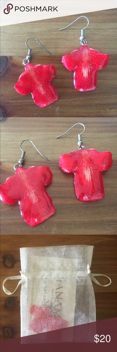 Hanami Real Flower red orchid earrings Hanami Real Flower red orchid petals earrings. Hand-made and really special. Would make a great gift! Comes with card and white satchel jewelry bag. Never been worn. Hanami Jewelry Earrings