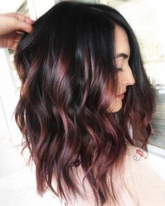 Red balayage hair colors: 19 hottest examples of 2019 # fashiondesign . - Red balayage hair colors: 19 hottest examples of 2019 # fashion design # - Hot Hair Colors, Ombre Hair Color, Brown Hair Colors, Burgandy Ombre Hair, Hair Color Black, Brunette Hair Colors, Hair Color Ideas For Dark Hair, Dark Burgundy Hair, Rose Gold Hair Brunette