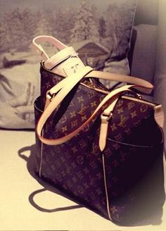 Louis Vuitton Monogram Canvas Totally Bags MM M56689