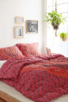 Magical Thinking Red Medallion Comforter - Urban Outfitters oh the softness