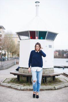 Blue hearts. Ripped Levi's jeans and cashmire sweater. Nina Campioni
