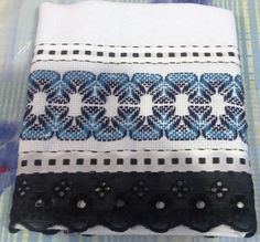 This post was discovered by No Bargello Needlepoint, Huck Towels, Swedish Embroidery, Swedish Weaving, Weaving Patterns, Darning, Needlework, Cross Stitch, Quilts