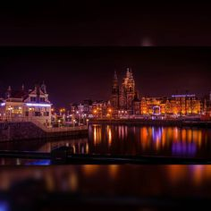 #tbt to one of my first long exposure attempts. I am getting much better at it now but it is nice to see my love for warm colors especially magenta!! If you like the picture go ahead a like the picture already! And follow me at @thespasticshutterbug for more such awesomeness!!! #amsterdam #europe #nederlands #awesome #beautiful #awesome #instawalk #instaawesome #igers #instagood #instapic #instadaily #ig_worldclub #ig_daily #igs #instagram #instamood #colors #follow #like #photography #nikon…