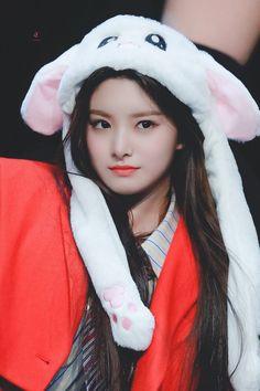 190324 cr Vault, My Queen! Kpop Girl Groups, Korean Girl Groups, Kpop Girls, Cute Korean Girl, South Korean Girls, Hangzhou, Snsd, Fandom, Chinese Zodiac Signs