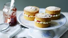 We've zapped the classic Mary Berry Victoria sponge with a shrink ray to make these adorable little cakes. Season 6 Equipment and preparation: for this recipe you will need a mini sandwich tin and a piping bag fitted with a plain nozzle Mary Berry Victoria Sponge, Victoria Sponge Kuchen, Mini Victoria Sponge Cakes, Victoria Cakes, Cake Recipes Bbc, Sponge Cake Recipes, Baking Recipes Uk, Party Recipes, Great British Bake Off