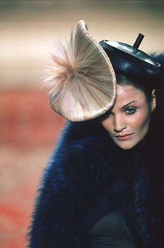 1997-98 - Mc Queen 4 Givenchy Couture show - Helena Christensen