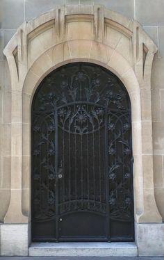 Paseos Art Nouveau: Porte (57) 10 et 10bis, Avenue Elisée Reclus - PARIS VII - hôtel Rateau - architecte Lucien Hesse (1910-11)