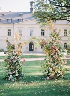 How to Have a Romantic Destination Wedding in the Heart of Europe : Rose ceremony backdrop wedding love weddingphotographybridesmaiddress weddinginvitationsweddingdress weddinggown weddinginspo bride weddedbliss weddingstyle weddingfun weddingceremony mar Wedding Aisles, Wedding Arbors, Wedding Aisle Decorations, Wedding Ceremony Decorations, Backdrop Wedding, Wedding Ideas, Wedding Blog, Wedding Planning, Wedding Inspiration