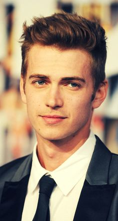Hayden Christensen!!! hey handsome;);)