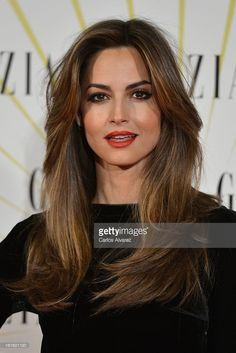 Spanish model Ariadne Artiles attends the 'Grazia' magazine launch party at the Price theater on February 2013 in Madrid, Spain. Brunette Beauty, Brunette Hair, Hair Beauty, Long Layered Haircuts, Haircuts For Long Hair, Fast Hairstyles, Pretty Hairstyles, Red Hair Woman, Hair Icon