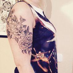 Merci Émilie ! #carolinekarenine #tattoo #ateliermetamorphose...